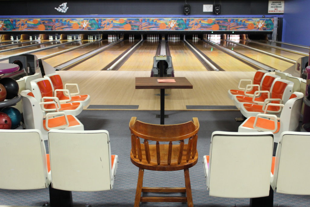 Superbe Events At The Bowling Alley